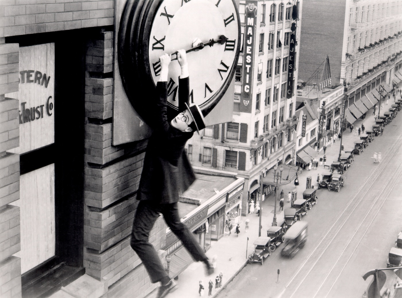 0045-03 Harold Lloyd Safety Last
