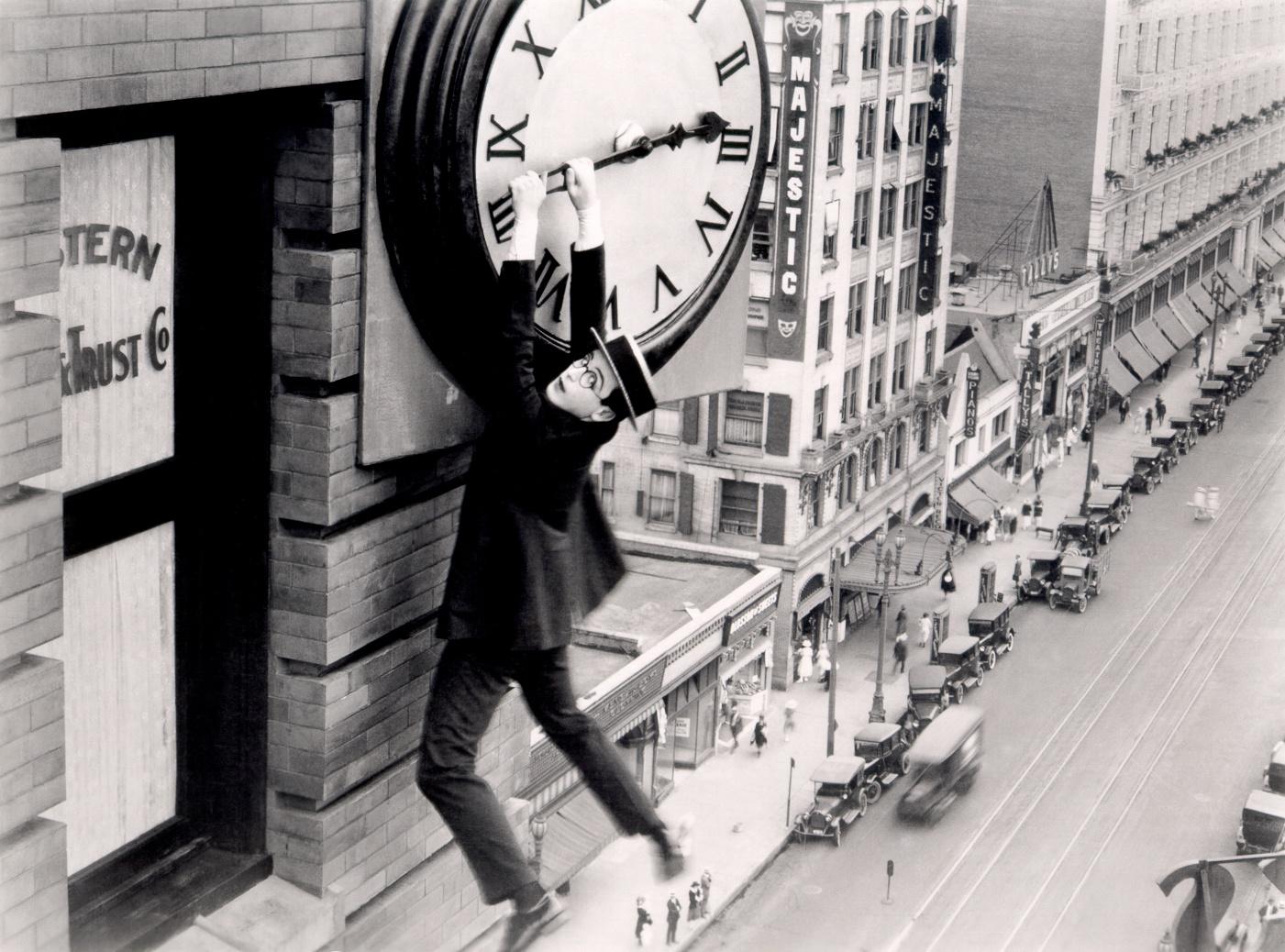0045-03 Harold Lloyd Safety Last